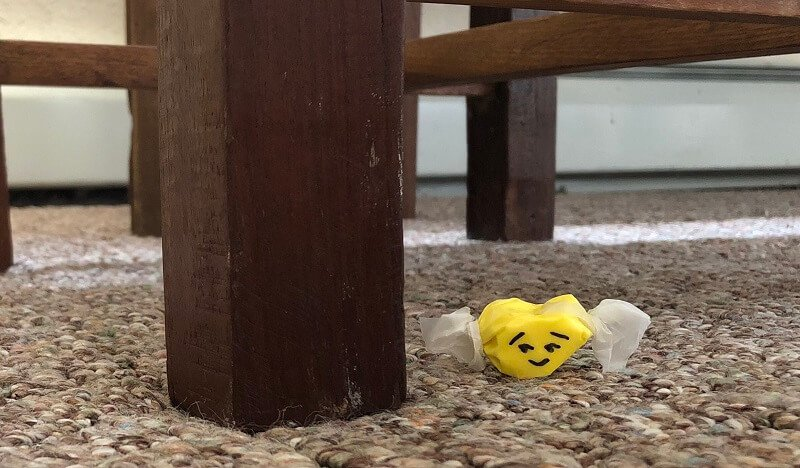 how to clean taffy out of carpeting, smirking taffy on carpet under table