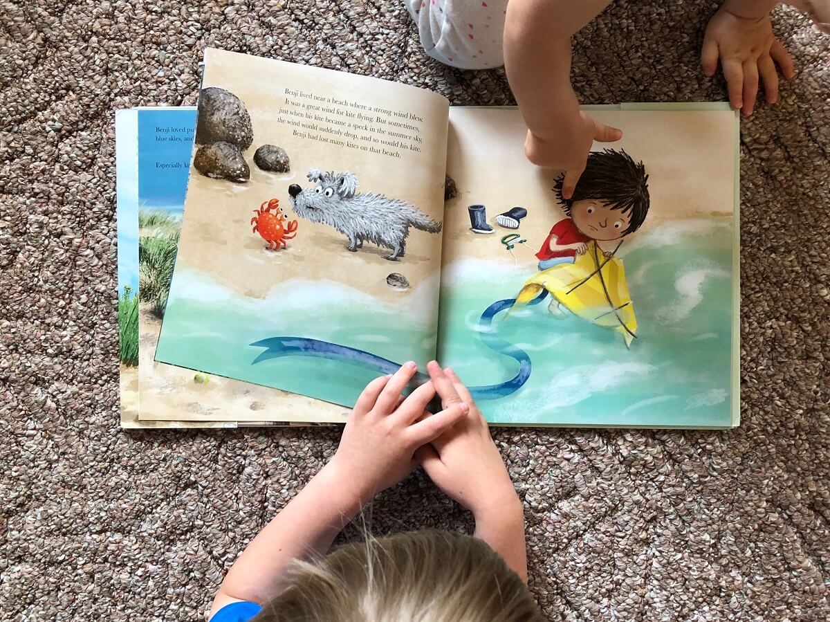 Benji and the Giant Kite kids turning pages